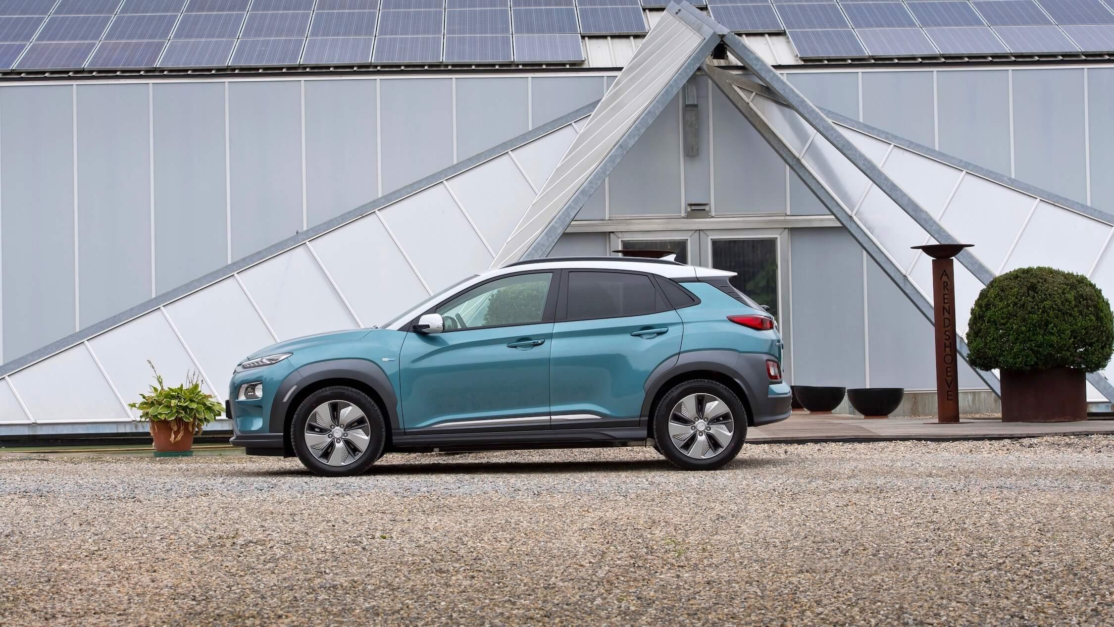 Hyundai Kona Electric zijkant