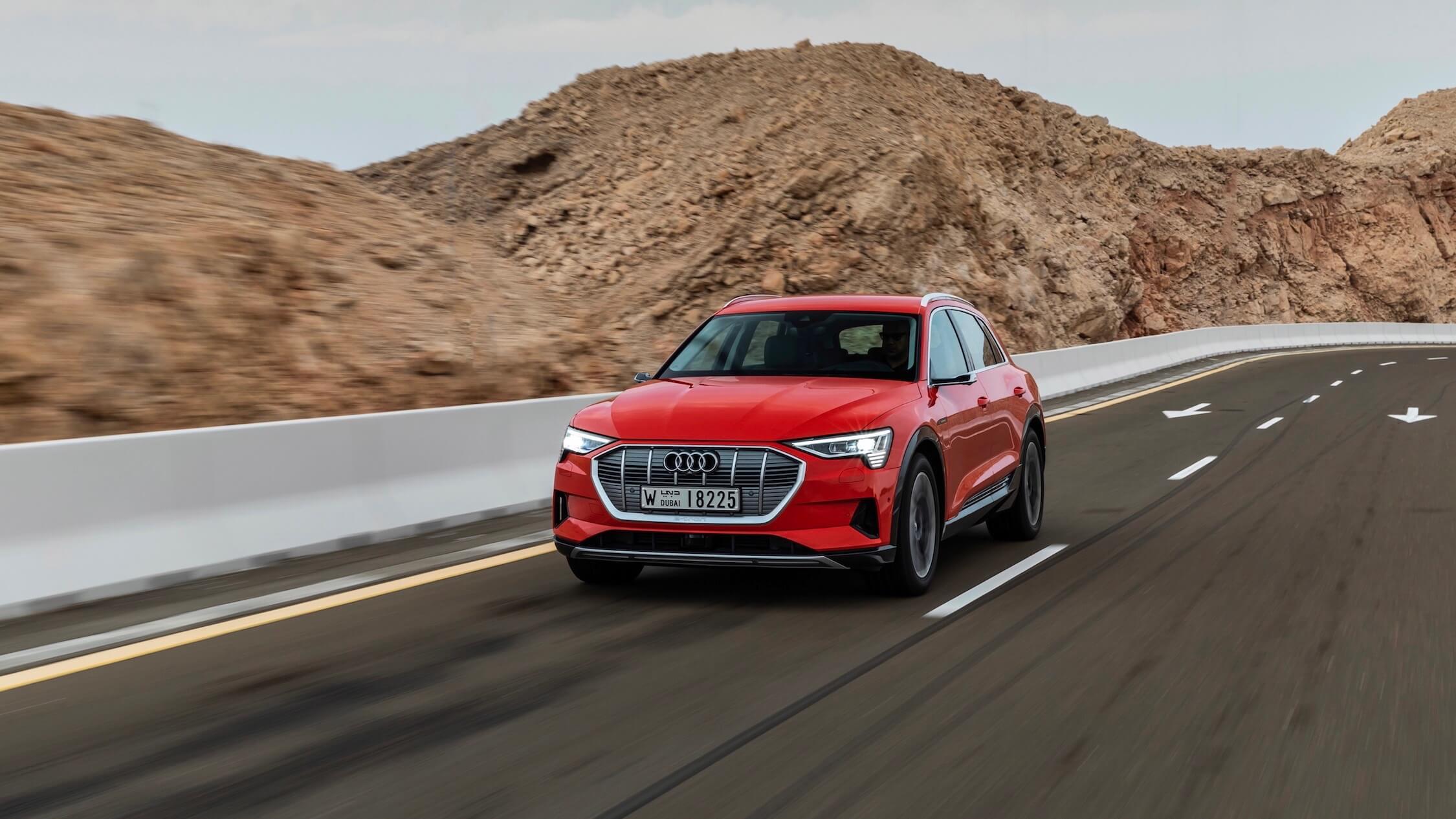 Rode Audi e-tron