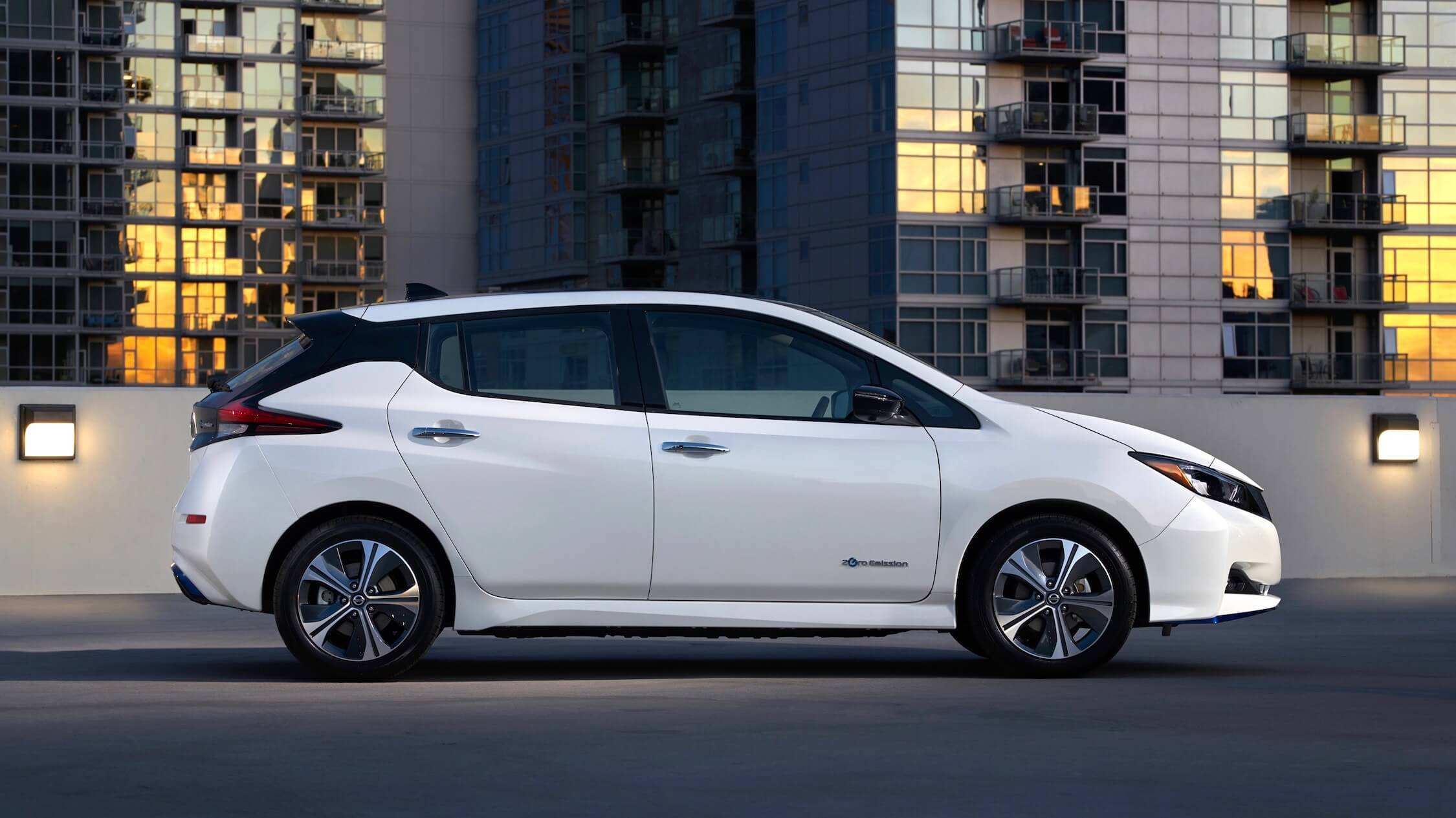 Nissan Leaf zijkant