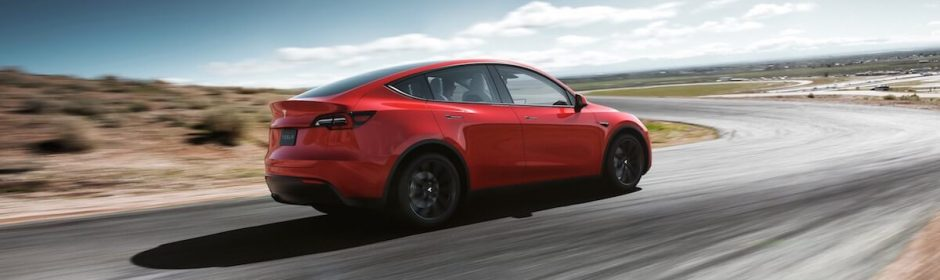 Tesla Model Y op circuit