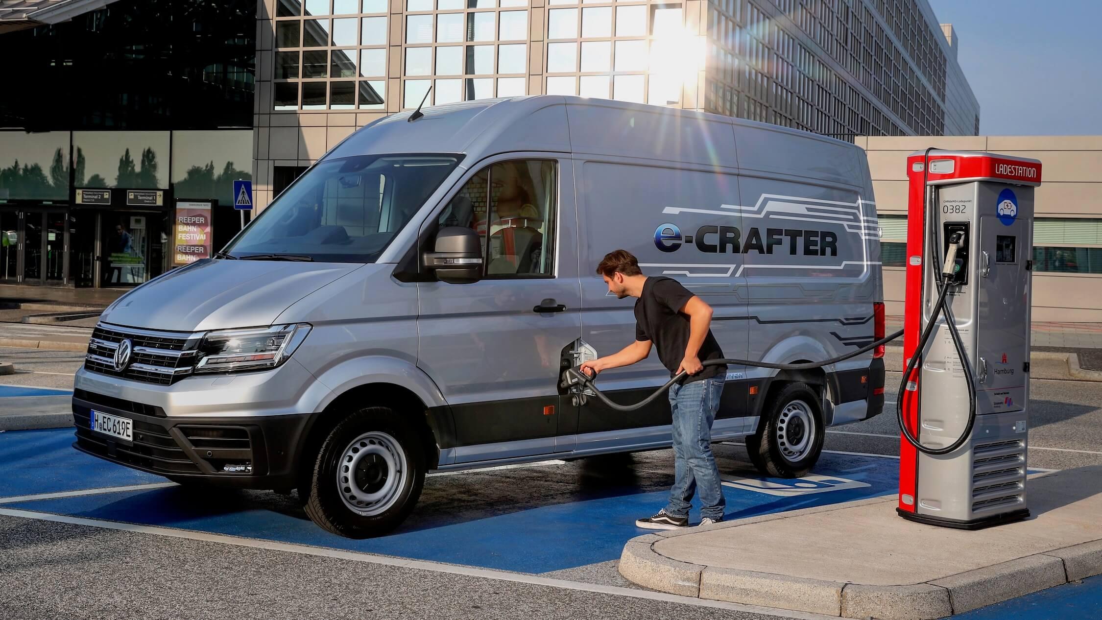 elektrische Volkswagen e Crafter opladen