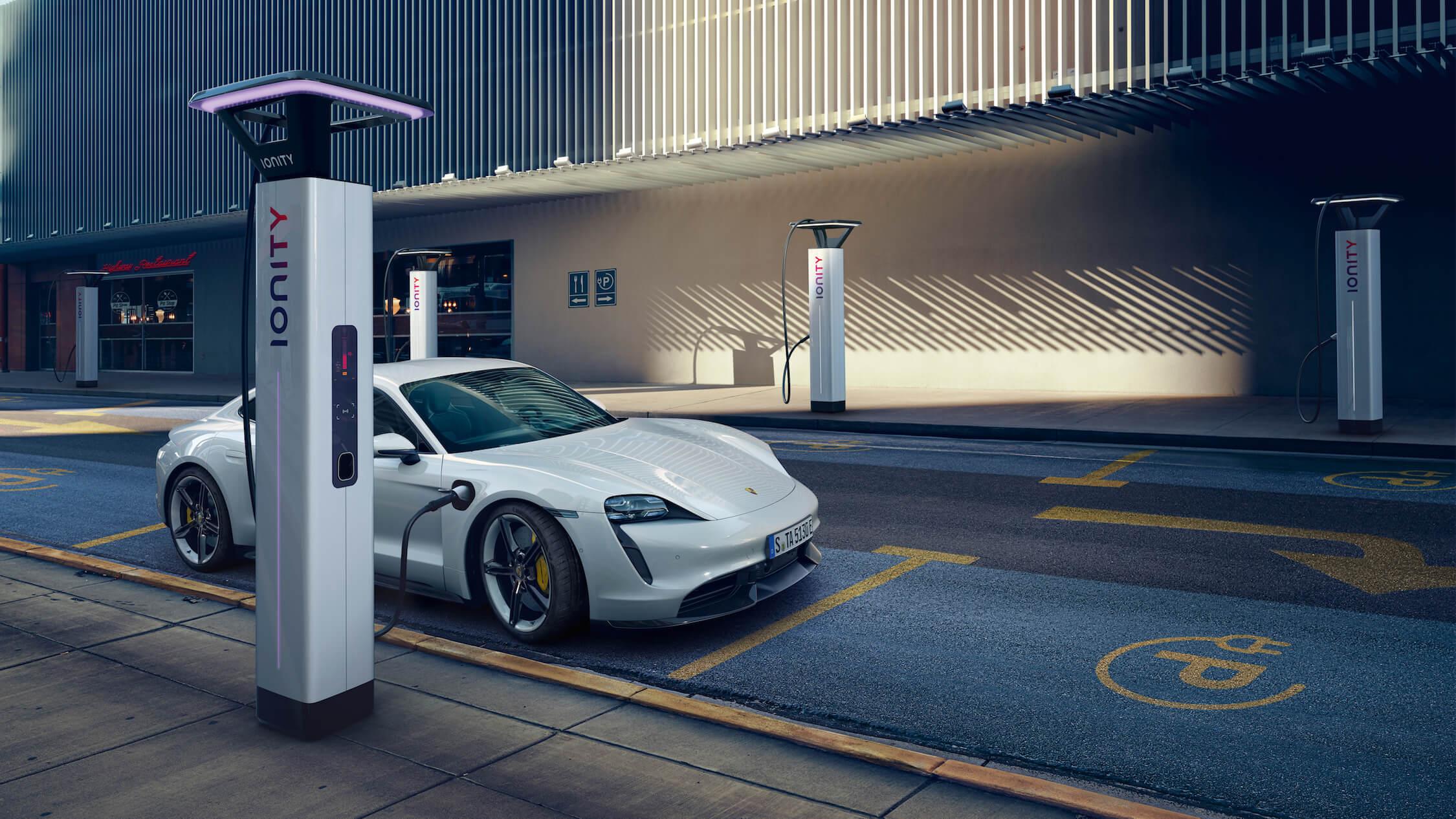 Porsche Taycan Ionity laadpaal