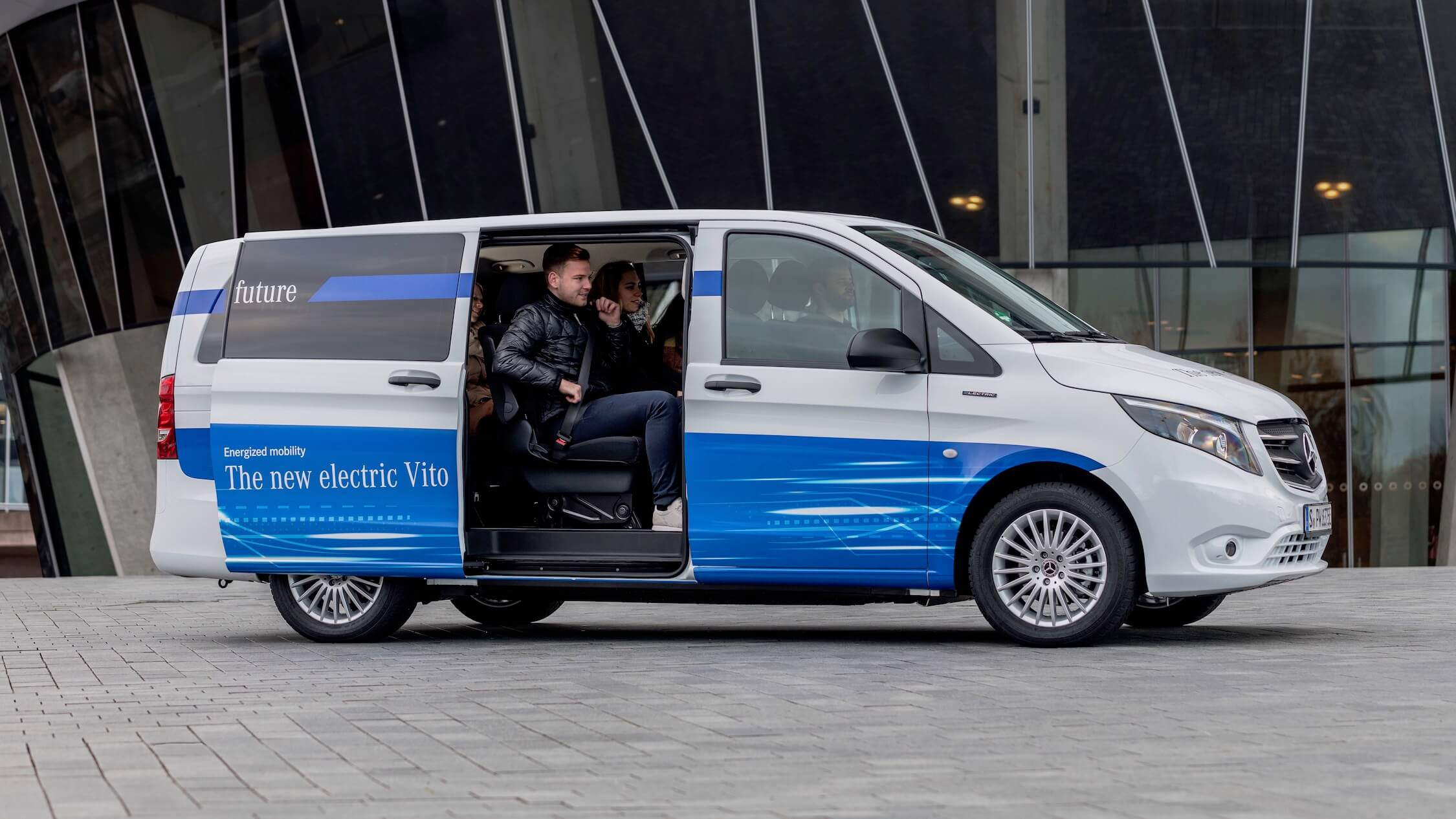 Mercedes eVito Tourer minibus