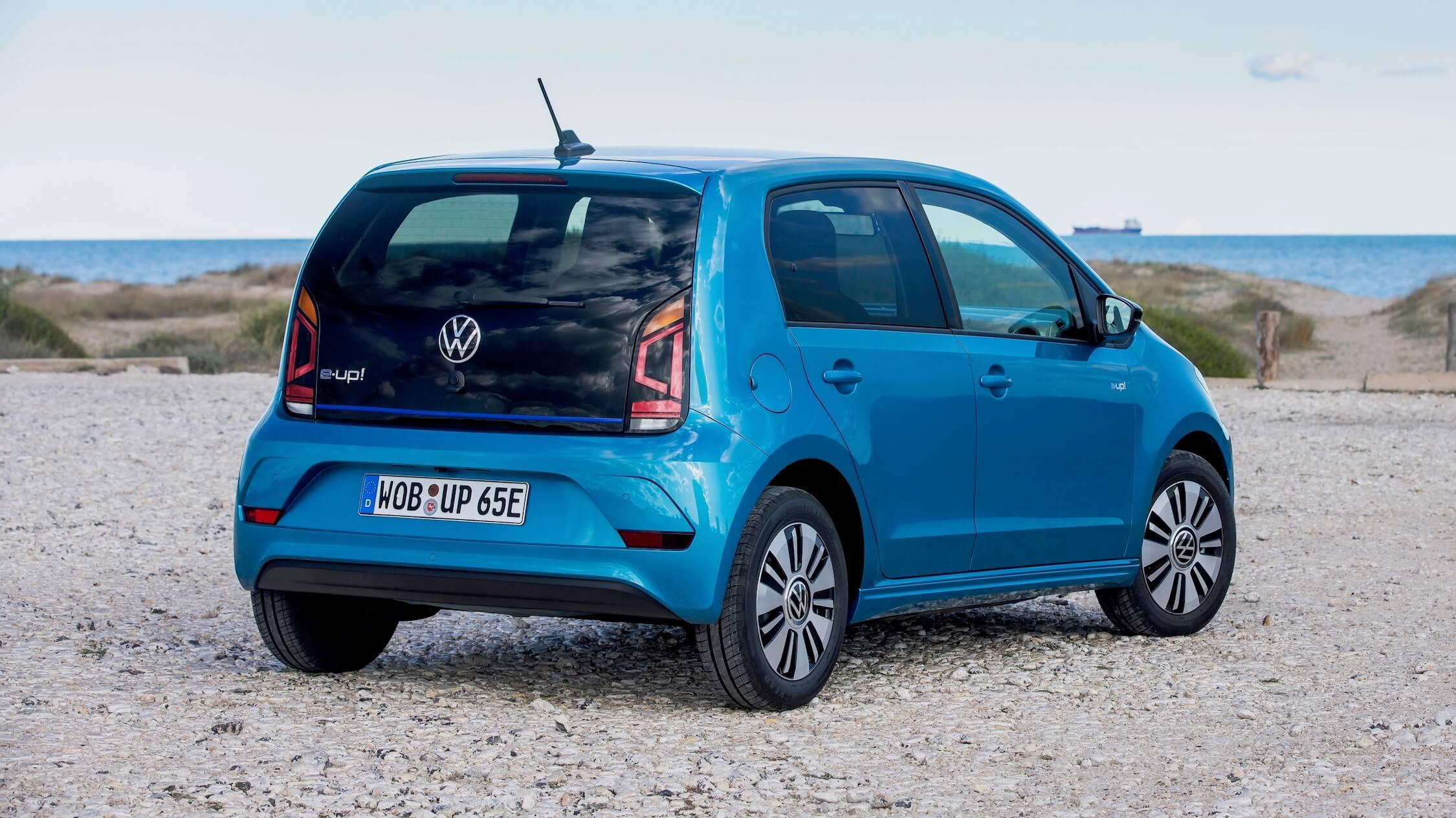 Blauwe Volkswagen e-Up