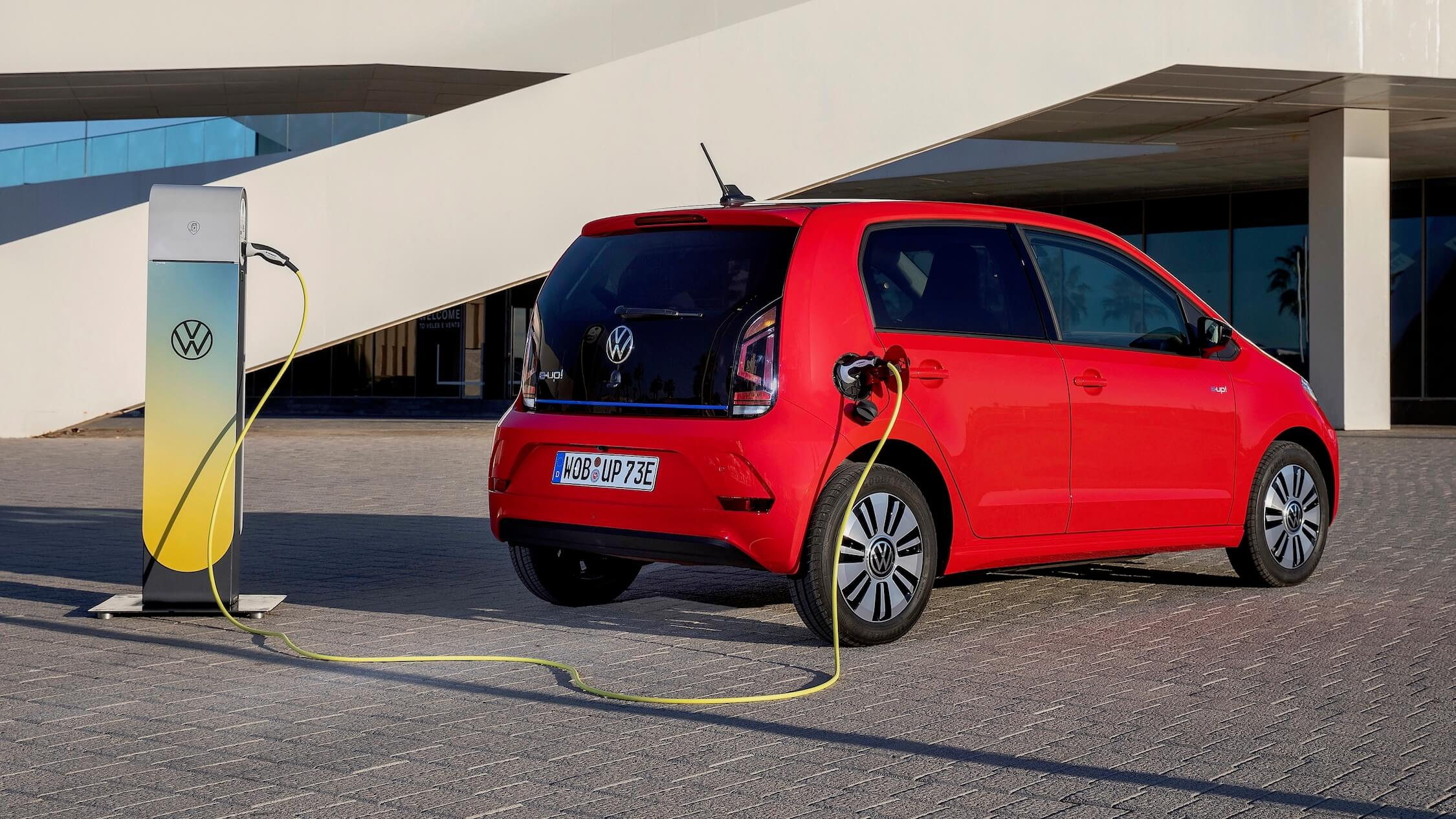 Elektrische Volkswagen e-Up laadpunt en kabel