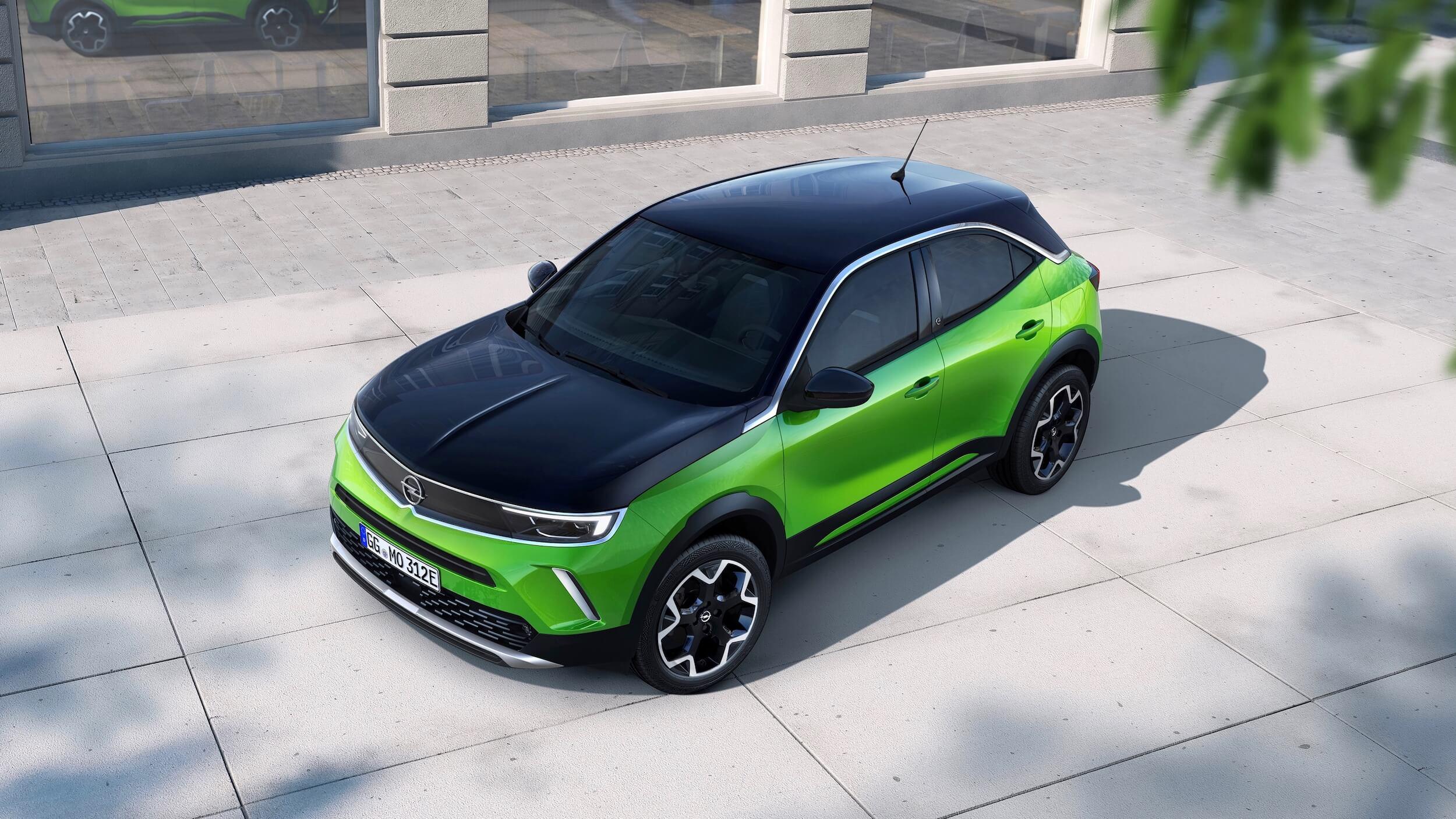 Opel Mokka e fluo groen en zwart dak