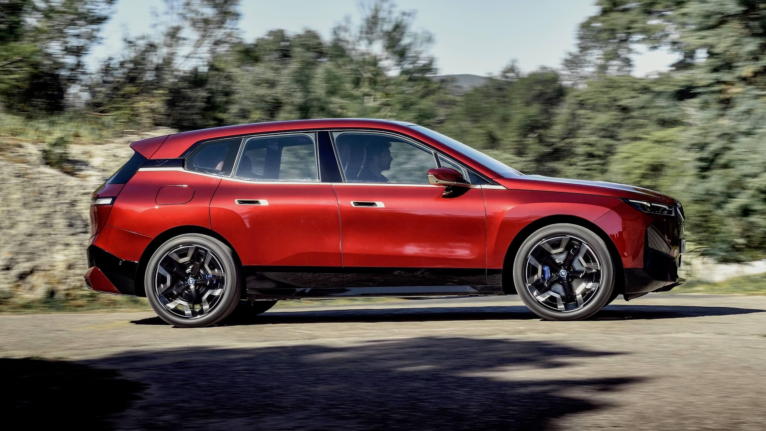 BMW iX profiel