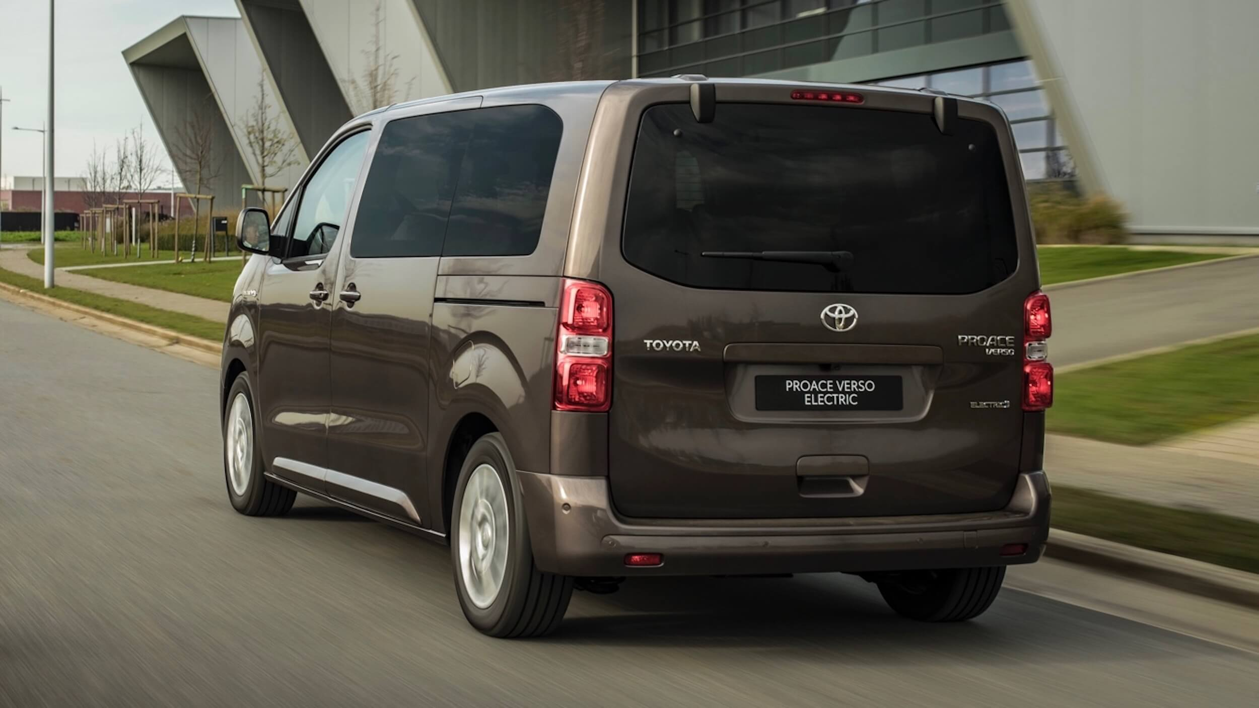 Toyota Proace Verso Electric minibus