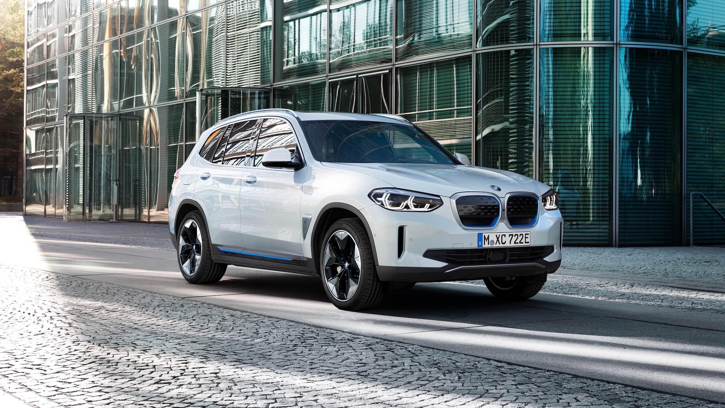 BMW iX3 wit