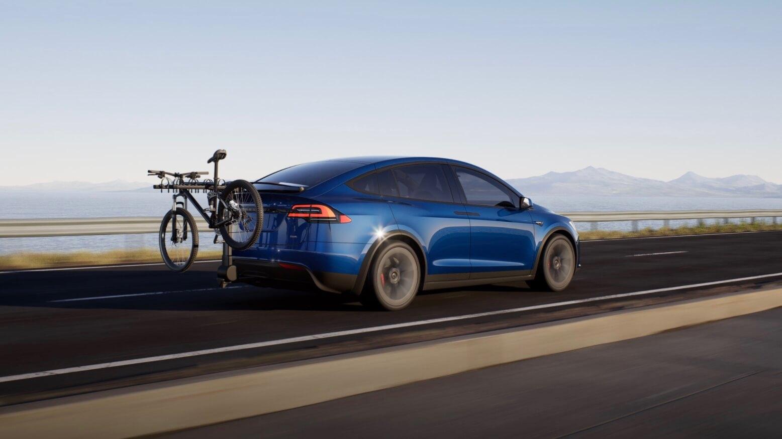 Tesla Model X met fietsdrager
