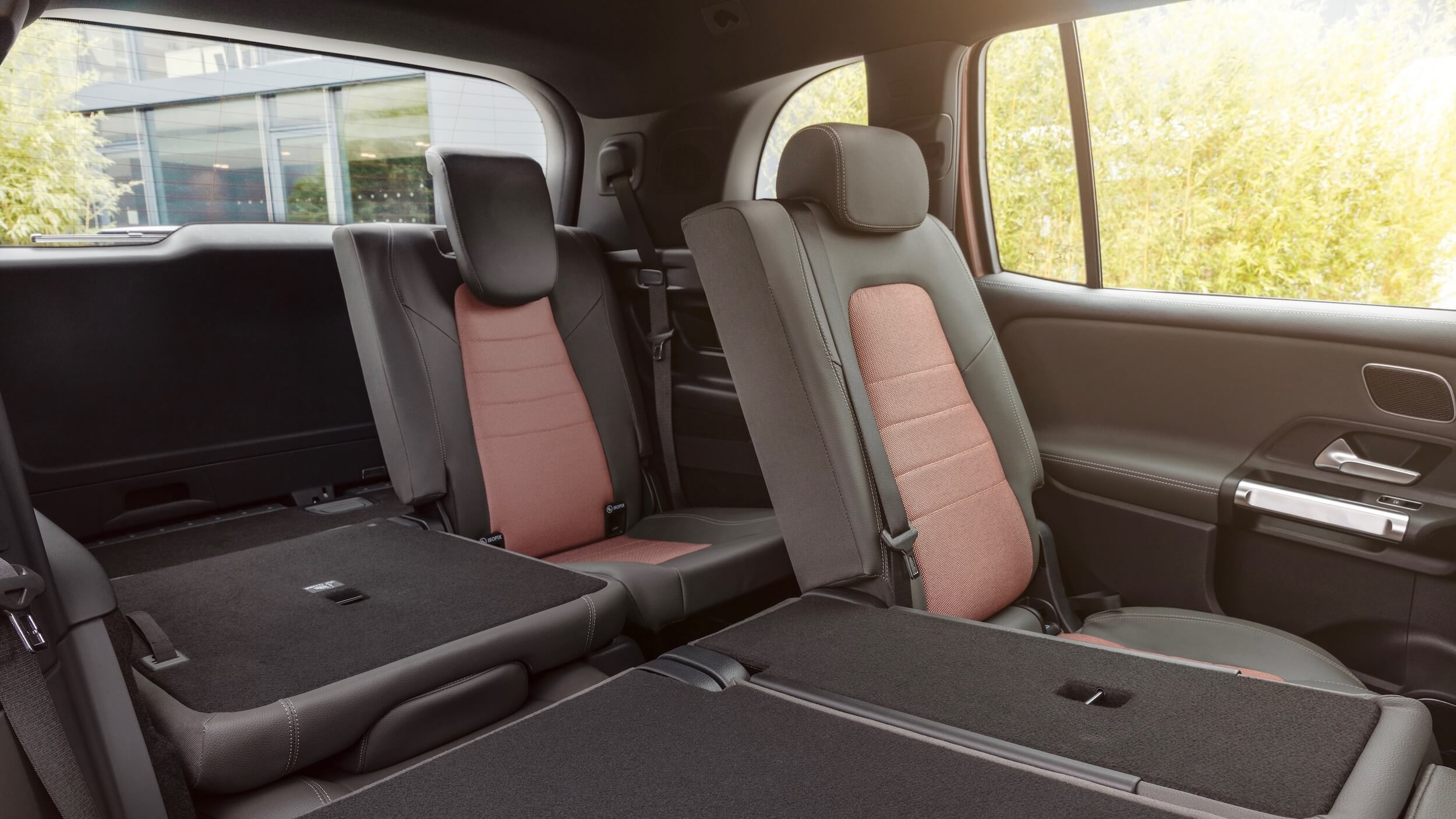 Mercedes EQB achterbank neergeklapt